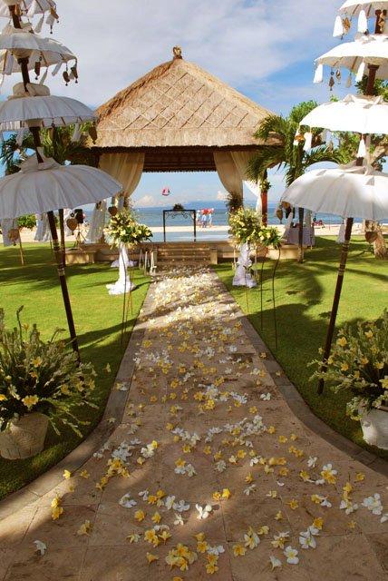 nusa dua beach hotel bali - happy bali wedding
