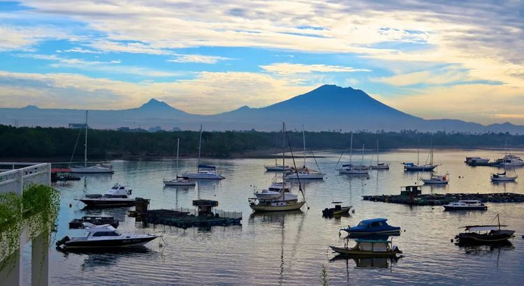 Paras Paros Marina Lodge mount agung view