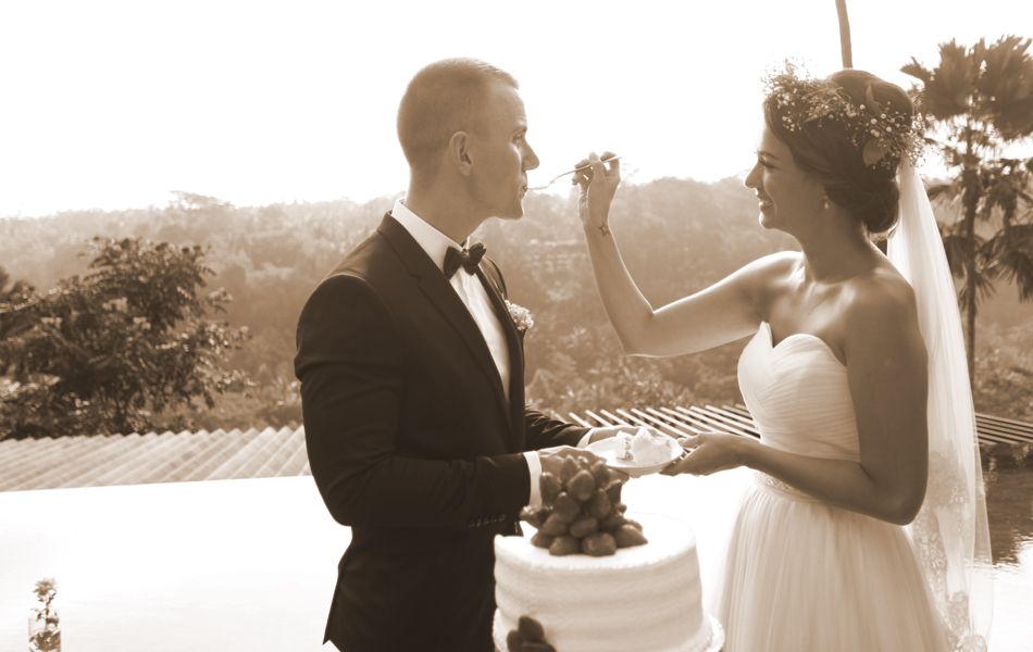 Lilly & Oliver Bali wedding ceremony - kupu kupu barong ubud