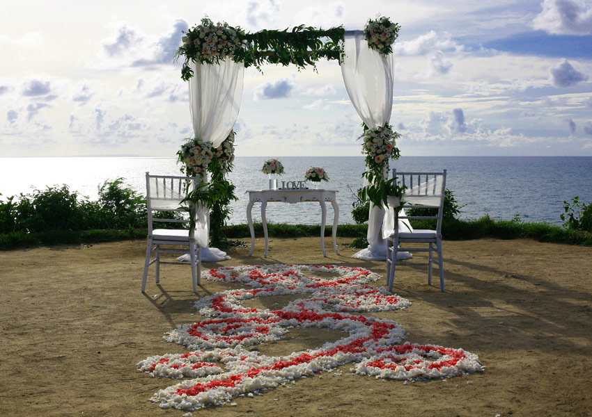 lara - riccardo wedding decoration with ocean view