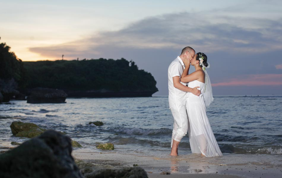 mio and raon beach wedding photography