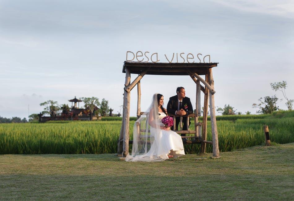 rita and mark balinese wedding photograph