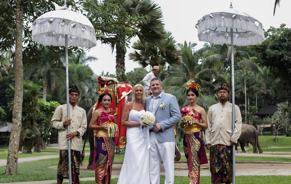 amanda and steven elephant park bali wedding