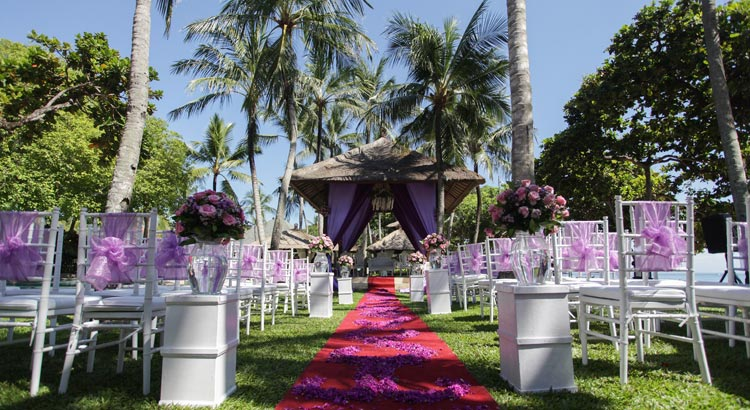 the laguna resort garden wedding