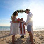 beach wedding by happy bali wedding