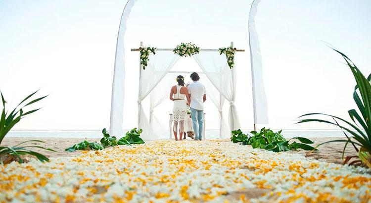 samabe nusa dua - bali beach wedding