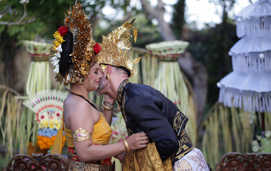 axel - kathleen balinese blessing and wedding custom