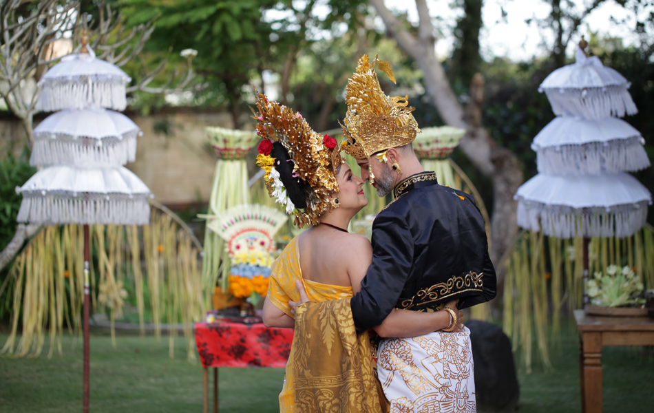 axel - kathleen balinese blessing ceremony