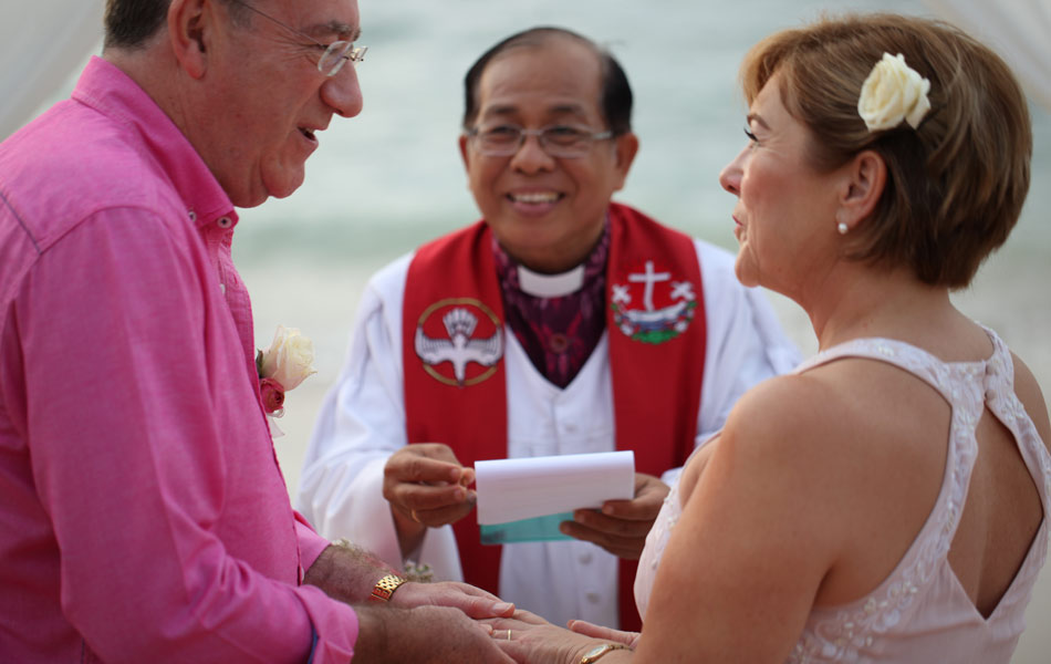 renewal bali wedding vows - beach wedding