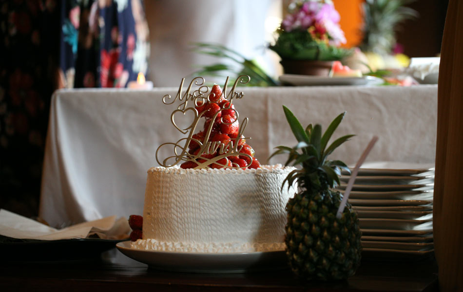 megan and bruce bali wedding - wedding cakes