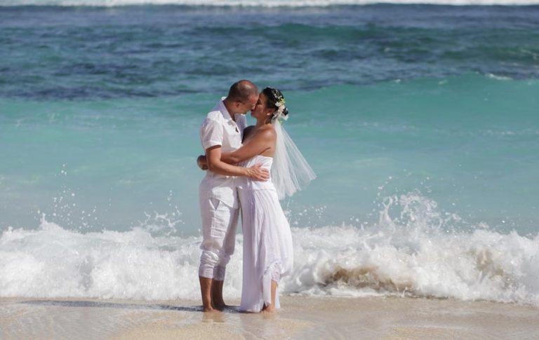mio and raon beach wedding photography