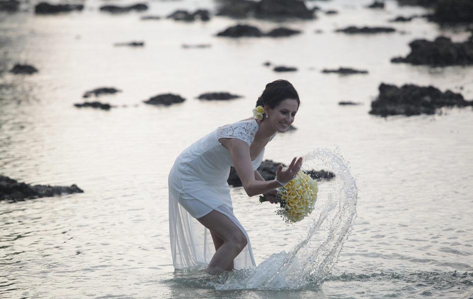 tunde and bence bali wedding beach