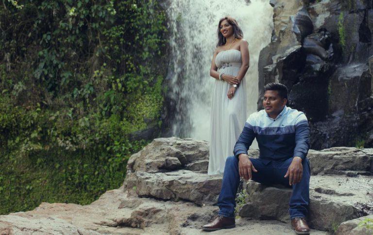 anola and wizley bali waterfall prewedding photoshot