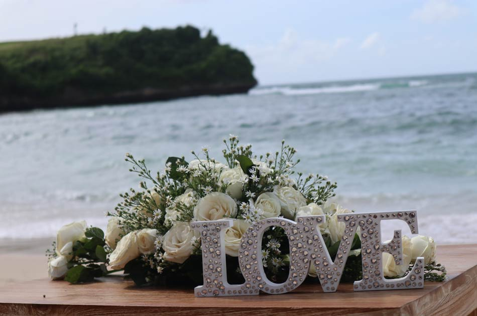 Marta - Mark Soutar bali wedding anniversary