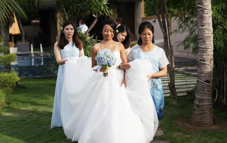 ice ryan met wedding - nusa lembongan beach wedding