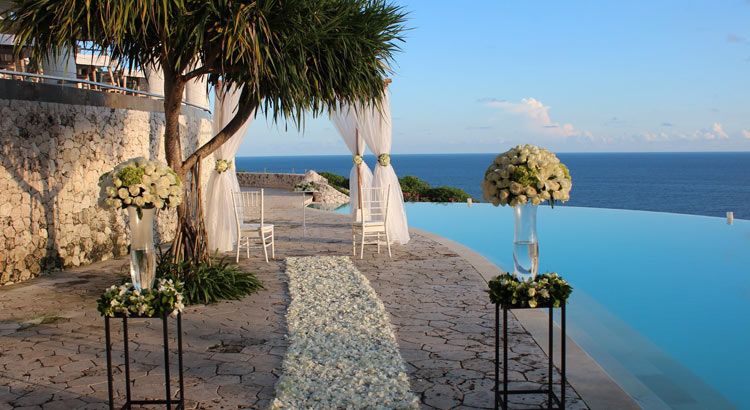 clifftop villa wedding venue - karma kandara uluwatu