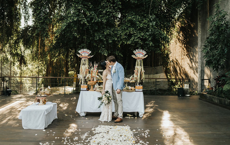 elisa and david balinese blessing ceremony