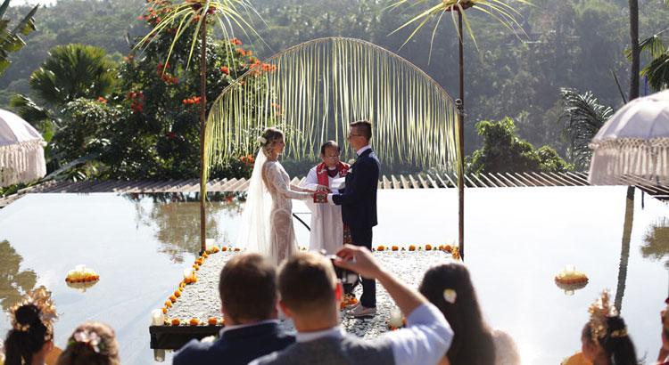 kupu barong ubud - jakub joanna wedding