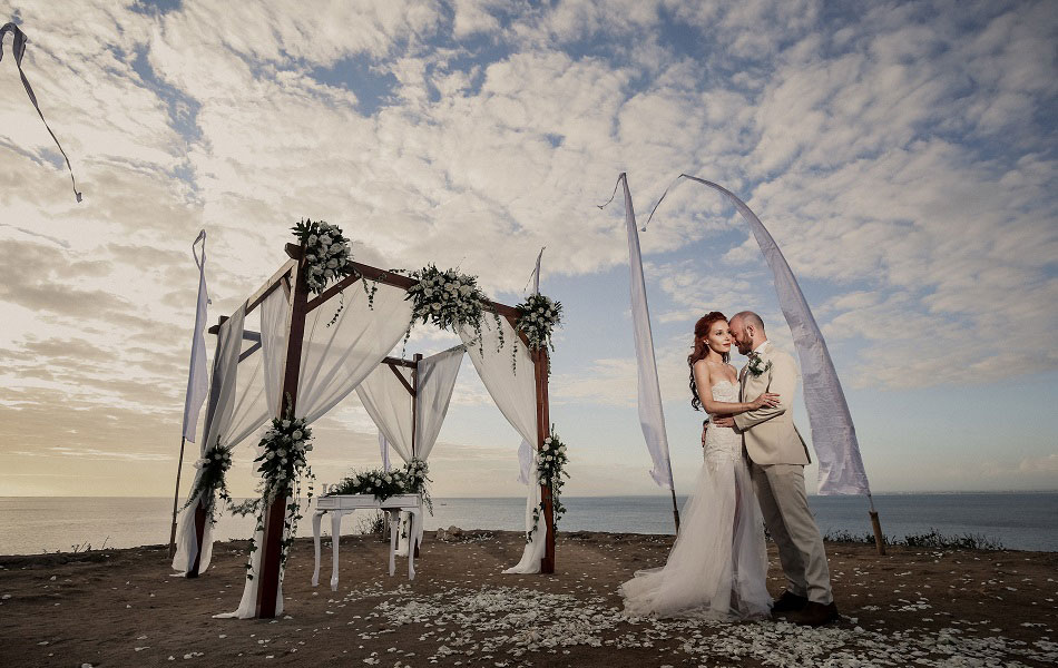 Helin and Aydogan Bali Wedding - Balangan Beach Uluwatu