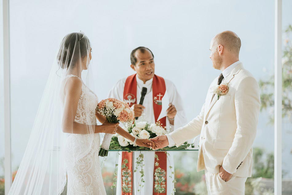 sonia and richard legal wedding in bali