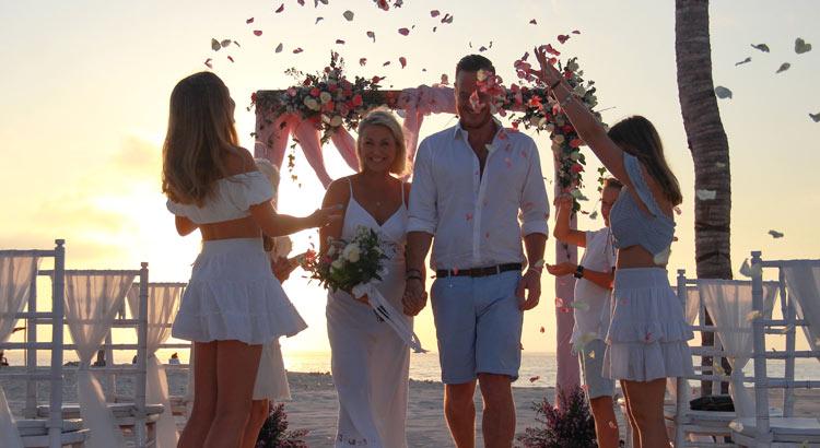 mahagiri resort nusa lembongan wedding