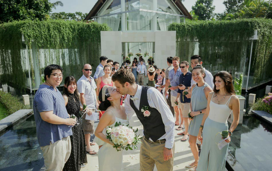 Sarah and Richard - The Kunja Wedding Chapel