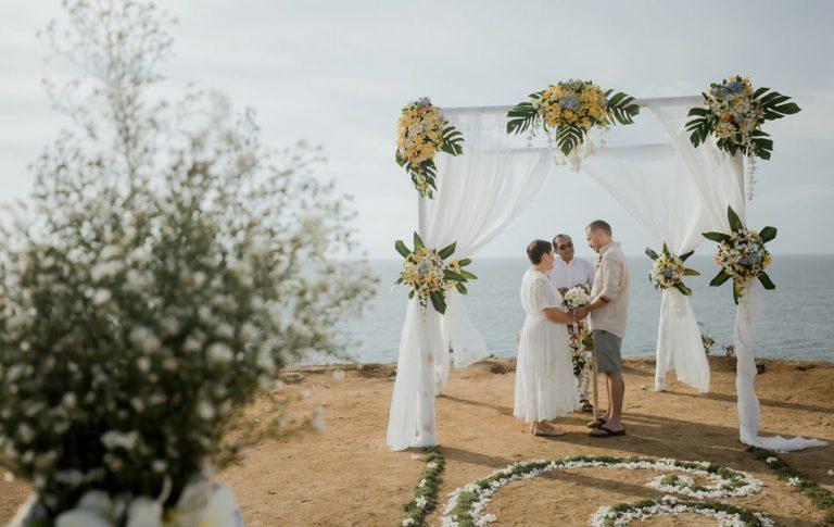sandra and scott renew wedding vows