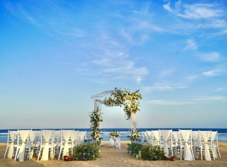 beach wedding by grand hyatt bali nusa dua